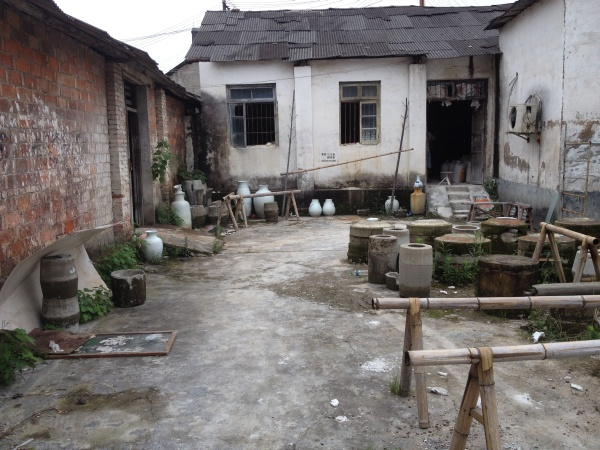Jingdezheng - Hinterhofbrennerei.